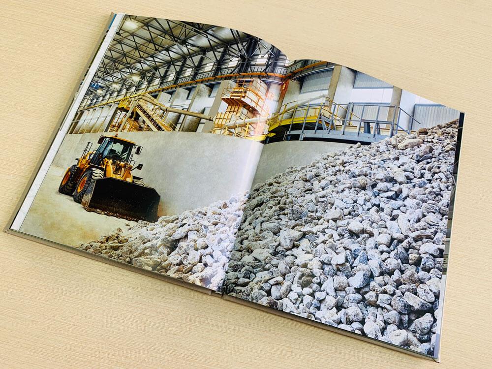 Коропоративная книга от издательства Сегмент. Фото1