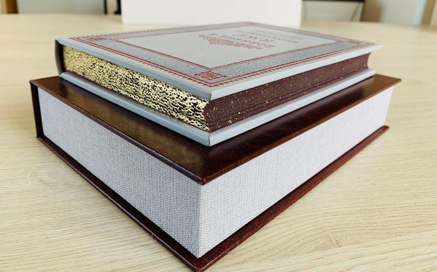 Кожаный переплет книги Саковича издательства Сегмент оксфорд фото-2